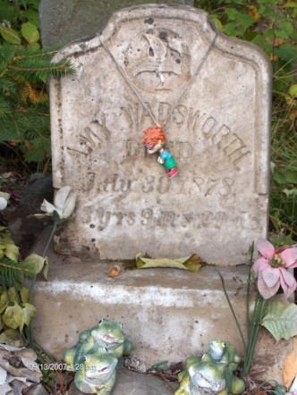 Amy Wadsworth's grave